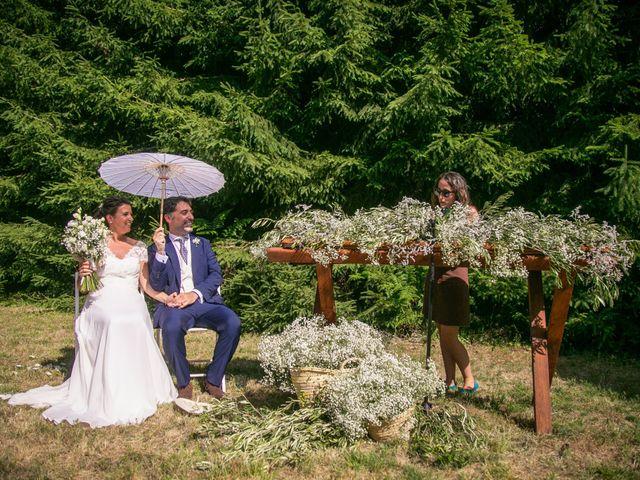 La boda de Miguel y Reyes en Viladrau, Girona 25