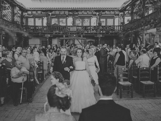 La boda de César y Aroha en Villarrubia De Los Ojos, Ciudad Real 37
