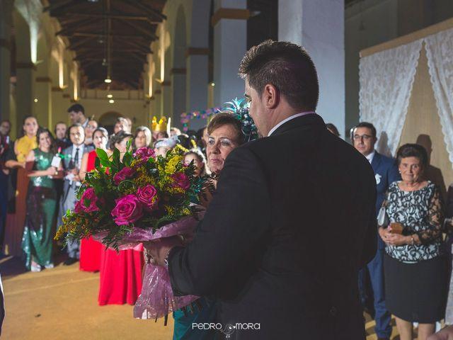 La boda de Angel y Agueda en Villalba Del Alcor, Huelva 24