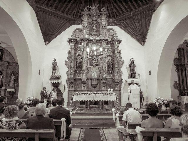 La boda de Tomás y Victoria en Langa, Ávila 16