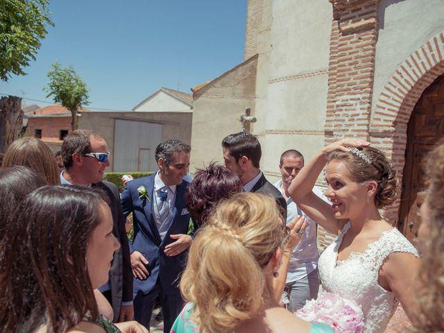 La boda de Tomás y Victoria en Langa, Ávila 23