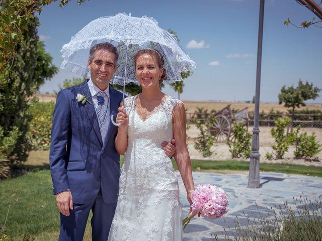 La boda de Tomás y Victoria en Langa, Ávila 27