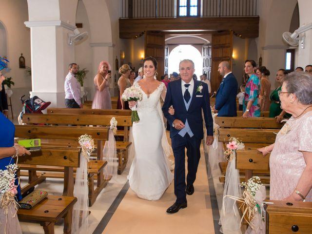 La boda de Juan y Cristina en Benamocarra, Málaga 17