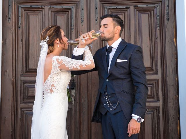 La boda de Juan y Cristina en Benamocarra, Málaga 23