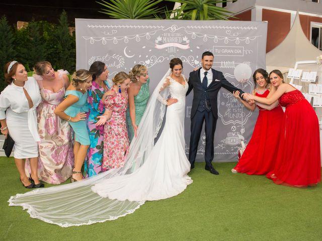 La boda de Juan y Cristina en Benamocarra, Málaga 33