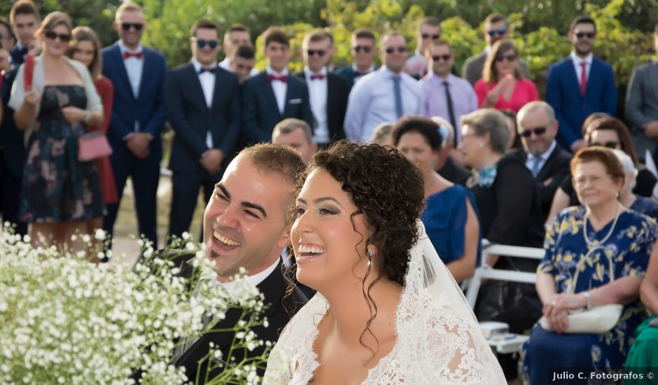 La boda de Miguel y Alicia en Adra, Almería