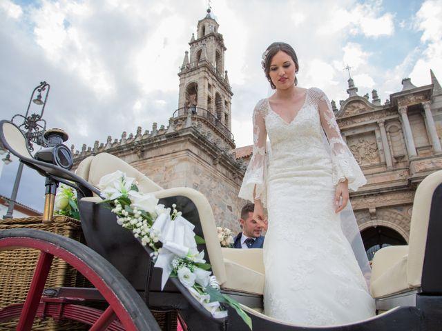 La boda de José Enrique y Zaira en Hinojosa Del Duque, Córdoba 30