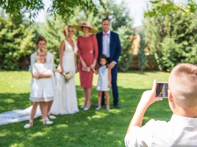 La boda de Pablo y May en Piedrabuena, Ciudad Real 50