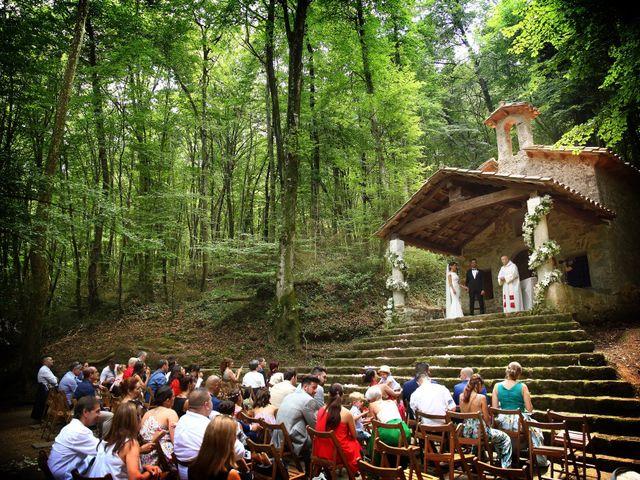 La boda de Cristian y Evelyn en Olot, Girona 23