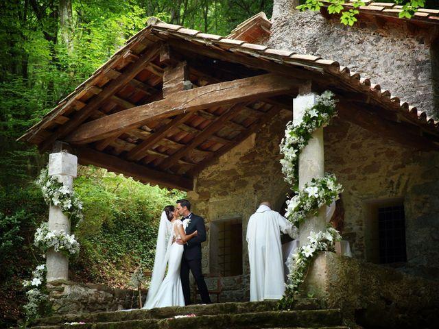 La boda de Cristian y Evelyn en Olot, Girona 24