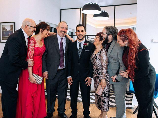 La boda de Héctor y Esther en Valencia, Valencia 7