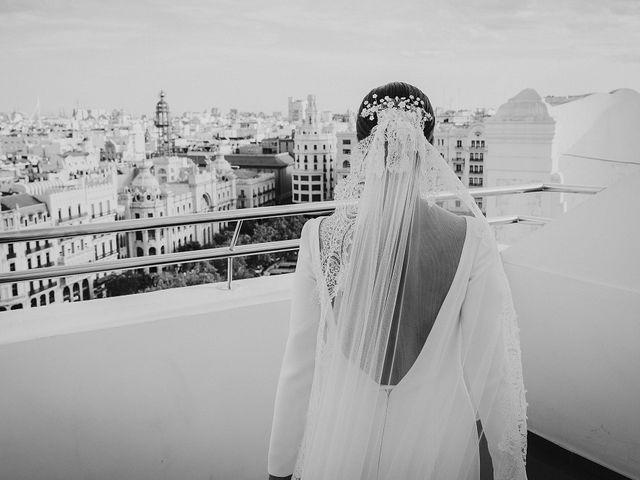 La boda de Héctor y Esther en Valencia, Valencia 17