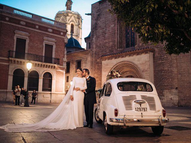 La boda de Héctor y Esther en Valencia, Valencia 23