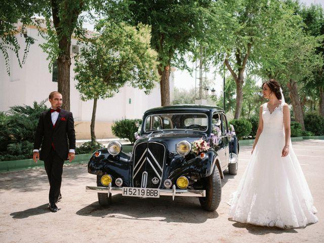 La boda de Javier y Ylenia en Tomelloso, Ciudad Real 14