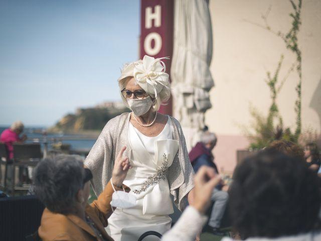 La boda de Belen y Jon en Getxo, Vizcaya 45
