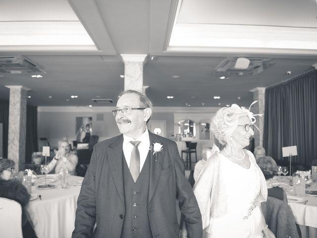 La boda de Belen y Jon en Getxo, Vizcaya 48