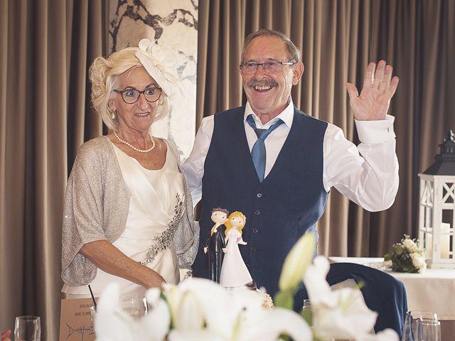 La boda de Belen y Jon en Getxo, Vizcaya 57