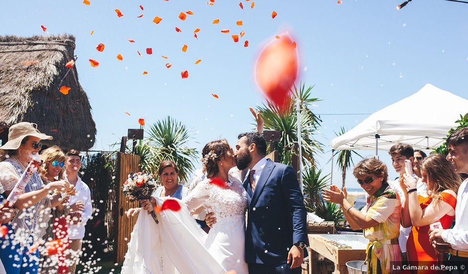 La boda de Manu y Araceli en El Palmar, Cádiz