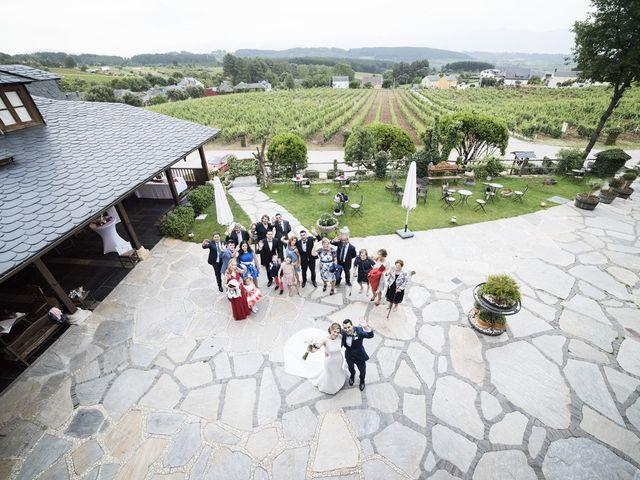 La boda de Jorge y Marta en Vega De Espinareda, León 35