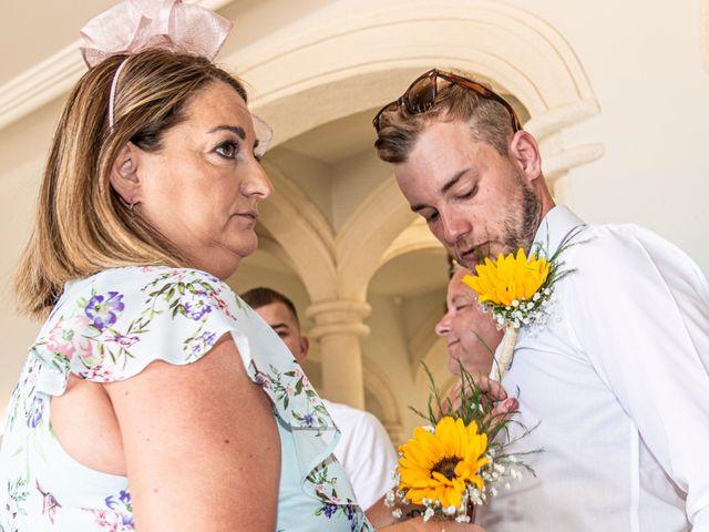 La boda de Jake y Jessica en Benidorm, Alicante 17