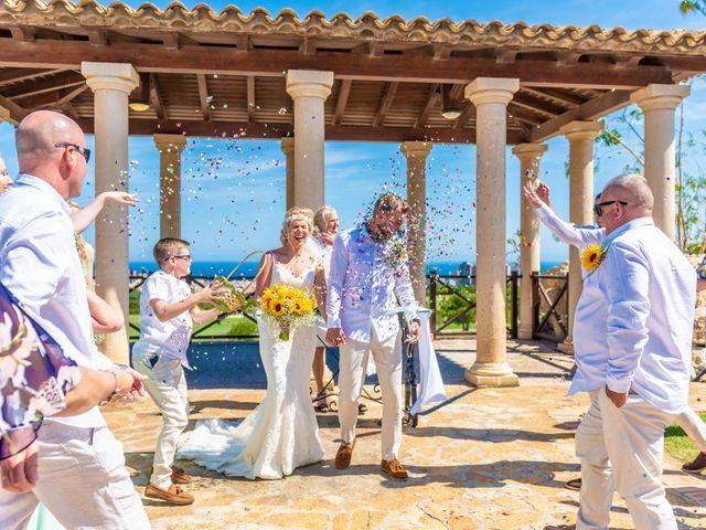 La boda de Jake y Jessica en Benidorm, Alicante 27