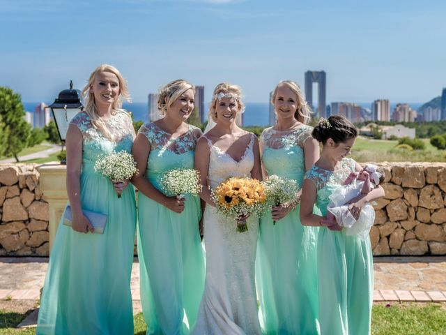 La boda de Jake y Jessica en Benidorm, Alicante 29