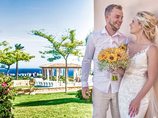 La boda de Jake y Jessica en Benidorm, Alicante 33