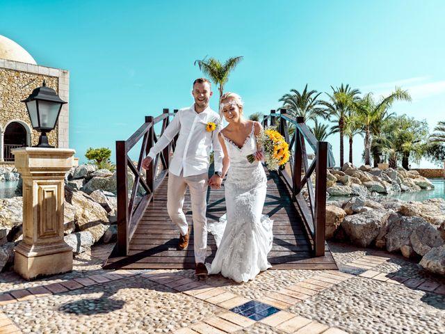 La boda de Jake y Jessica en Benidorm, Alicante 40