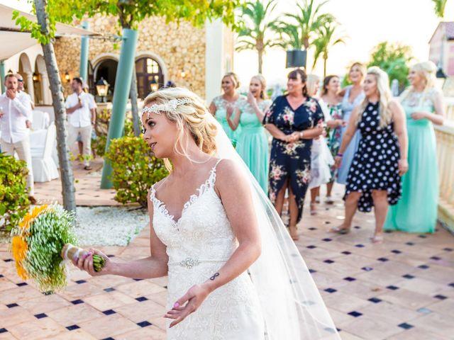 La boda de Jake y Jessica en Benidorm, Alicante 45