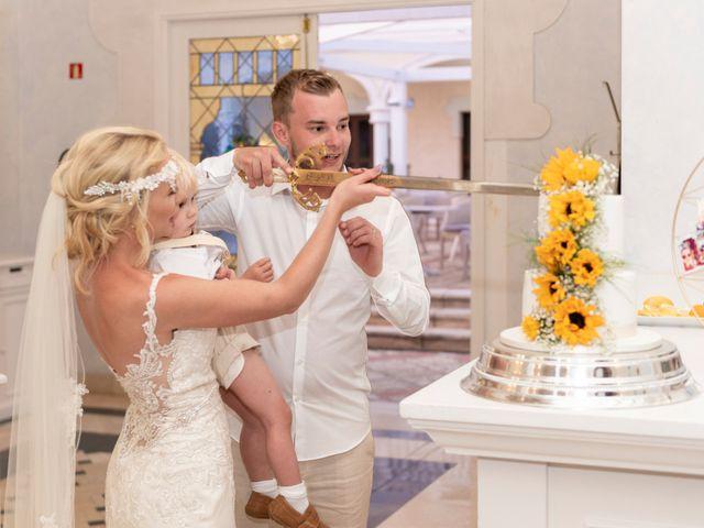 La boda de Jake y Jessica en Benidorm, Alicante 51