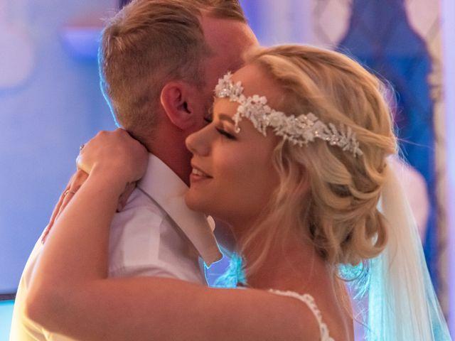 La boda de Jake y Jessica en Benidorm, Alicante 55
