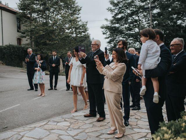 La boda de Ivan y Lucía en Gijón, Asturias 42
