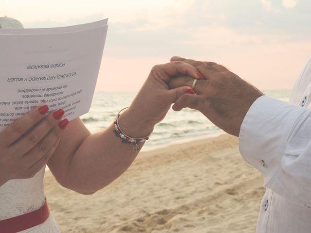 La boda de Israel y Esmeralda en Matalascañas, Huelva 24