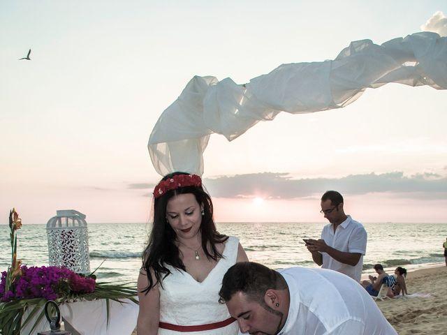 La boda de Israel y Esmeralda en Matalascañas, Huelva 26