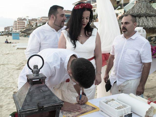 La boda de Israel y Esmeralda en Matalascañas, Huelva 28