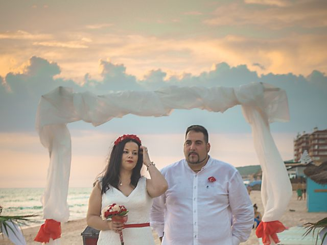 La boda de Israel y Esmeralda en Matalascañas, Huelva 31
