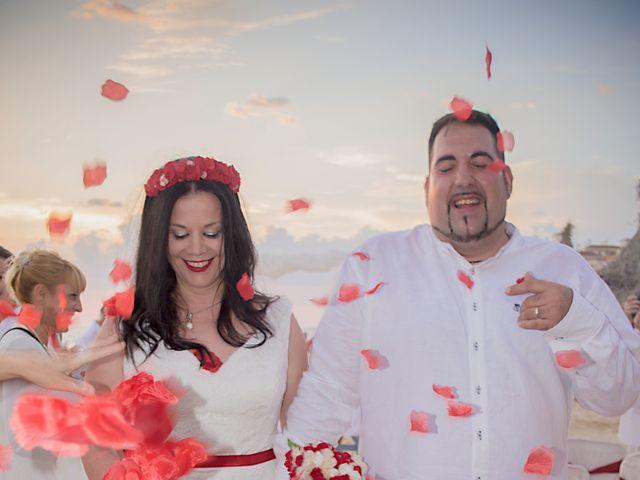La boda de Israel y Esmeralda en Matalascañas, Huelva 32