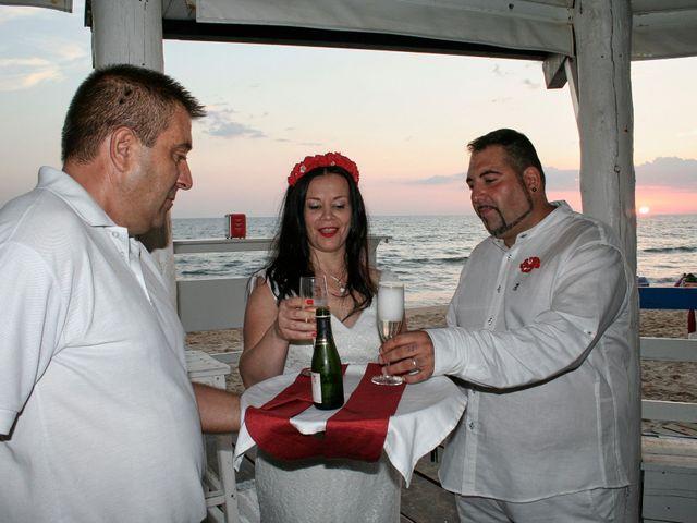 La boda de Israel y Esmeralda en Matalascañas, Huelva 47