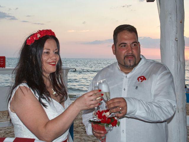 La boda de Israel y Esmeralda en Matalascañas, Huelva 48
