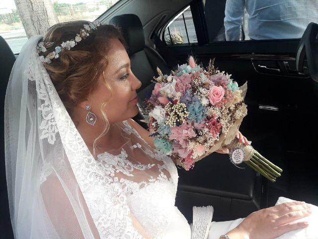 La boda de Rafael y Mari  en Sevilla, Sevilla 7