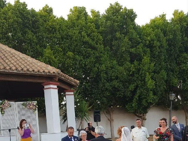 La boda de Rafael y Mari  en Sevilla, Sevilla 16