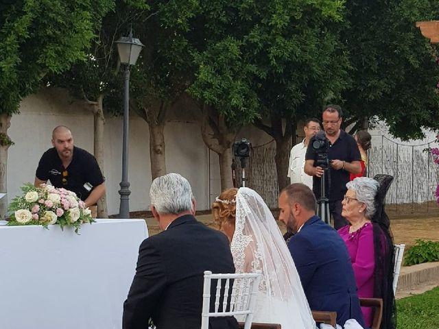 La boda de Rafael y Mari  en Sevilla, Sevilla 21