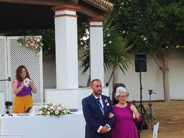 La boda de Rafael y Mari  en Sevilla, Sevilla 23