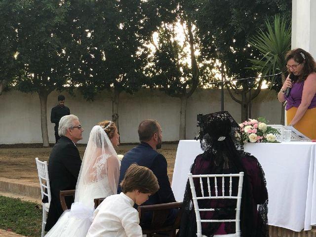 La boda de Rafael y Mari  en Sevilla, Sevilla 24