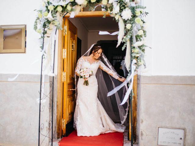 La boda de Salvador y Mónica en Calzada De Calatrava, Ciudad Real 24