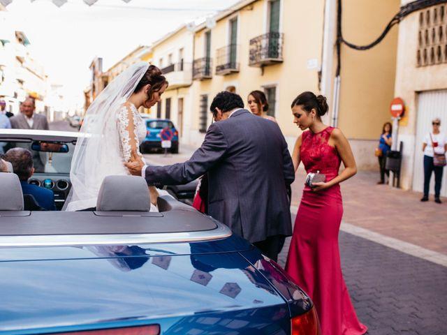 La boda de Salvador y Mónica en Calzada De Calatrava, Ciudad Real 37