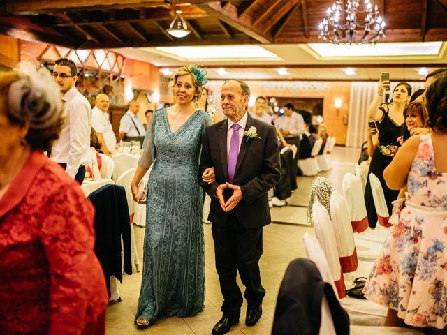 La boda de Salvador y Mónica en Calzada De Calatrava, Ciudad Real 86