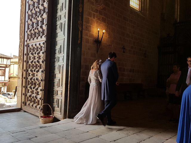 La boda de Carlos y Marina en Gumiel De Hizan, Burgos 3