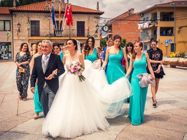La boda de Javi y Virginia en El Berrueco, Madrid 37