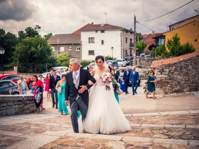 La boda de Javi y Virginia en El Berrueco, Madrid 39